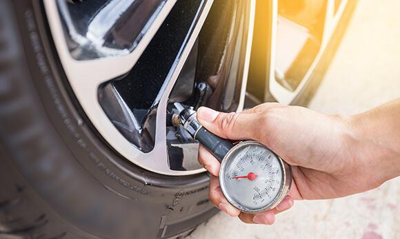 Regular tyre pressure monitoring saves lives